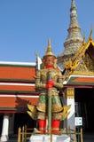 Duży czerwony gigant w wacie tajlandzkim Zdjęcia Stock
