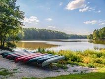 Duży jezioro przy William b Umstead stanu park fotografia royalty free