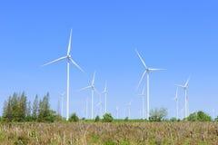 Duży silnika wiatrowego gospodarstwo rolne Obrazy Stock