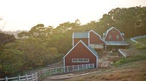 Duży widok rolni domy Zdjęcia Royalty Free