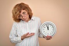 duży zegarowa kobieta zdjęcie royalty free
