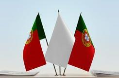 Duas bandeiras de Portugal fotografia de stock royalty free