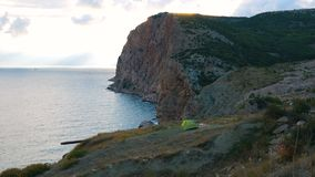 Duas barracas do turista nas montanhas filme