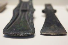 Duas cabeças de machado da idade de Bronce imagem de stock royalty free
