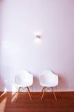 Duas cadeiras de espera Fotografia de Stock Royalty Free