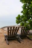 Duas cadeiras de praia imagens de stock royalty free
