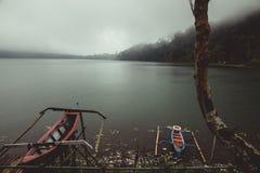 Duas canoas pequenas imagem de stock royalty free