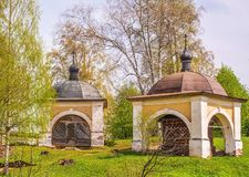 Duas capelas antigas imagens de stock
