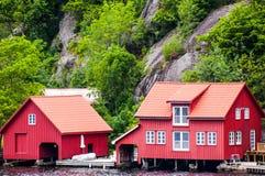 Duas casas vermelhas Imagens de Stock