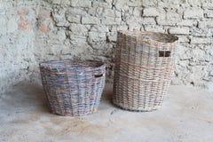 Duas cestas wattled do século do broze Fotografia de Stock Royalty Free