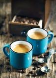 Duas chávenas de café espresso fotografia de stock