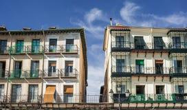 Duas construções separadas com balconys fotos de stock royalty free