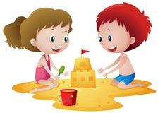 Duas crianças que jogam com castelo de areia ilustração do vetor