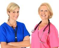 Duas enfermeiras fêmeas Fotos de Stock Royalty Free