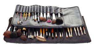Duas escovas do cosmético dos grupos nas tampas do preto isoladas no branco Imagens de Stock Royalty Free