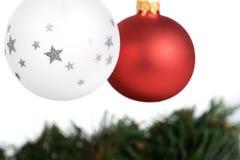 Duas esferas da árvore de Natal Fotos de Stock