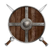 Duas espadas cruzadas e protetor de madeira de viquingue isolados Fotos de Stock