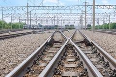 Duas estradas de ferro com trilha do interruptor fotos de stock royalty free