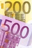 Duas euro- notas: 200 e 500 Imagens de Stock