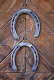 Duas ferraduras afortunadas fotografia de stock royalty free