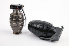 Duas granadas de mão foto de stock