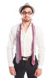 Duas gravatas que penduram nos vidros e no chapéu vestindo modelo masculinos Imagens de Stock Royalty Free