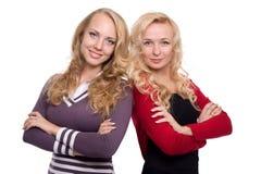 Duas irmãs louras bonitas da mulher Fotografia de Stock Royalty Free