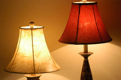 Duas lâmpadas de tabela fotos de stock