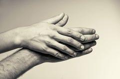Duas mãos - ternura Fotografia de Stock Royalty Free