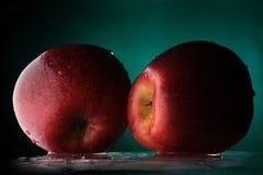 Duas maçãs Fotos de Stock Royalty Free