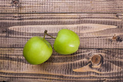 Duas maçãs deliciosas fotografia de stock royalty free