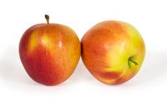 Duas maçãs frescas isoladas no branco Foto de Stock Royalty Free