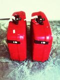 Duas malas de viagem vermelhas Foto de Stock Royalty Free