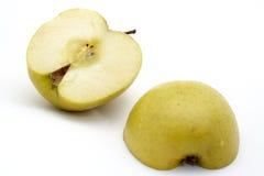 Duas meias maçãs imagens de stock royalty free