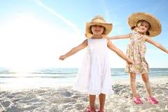 Duas meninas. Fotografia de Stock