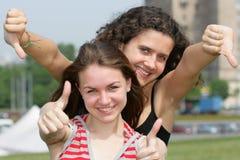 Duas meninas adolescentes Fotografia de Stock