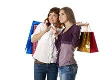 Duas meninas adolescentes com sacos Imagem de Stock