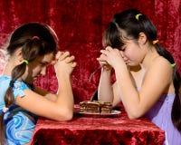 Duas meninas adolescentes encantadoras Fotos de Stock