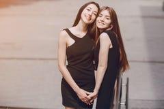 Duas meninas bonitas imagem de stock royalty free