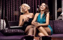 Duas meninas bonitas fotografia de stock royalty free