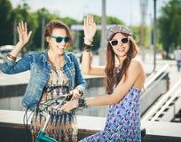 Duas meninas bonitas e da sensualidade Imagem de Stock Royalty Free