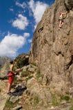 Duas meninas de escalada Fotos de Stock Royalty Free