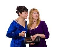 Duas meninas de tagarelice Fotografia de Stock Royalty Free