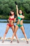 Duas meninas no biquini Fotos de Stock Royalty Free