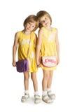 Duas meninas que prendem as mãos Imagem de Stock Royalty Free