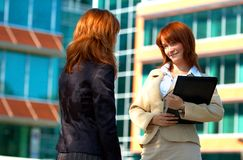 Duas mulheres de negócio Foto de Stock