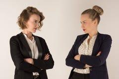 Duas mulheres de negócio juram Imagem de Stock Royalty Free
