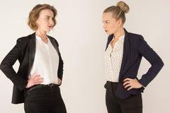 Duas mulheres de negócio juram Foto de Stock Royalty Free