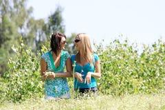 Duas mulheres novas Fotos de Stock Royalty Free