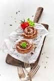 Duas parcelas de salsicha grelhada enrolado da carne fotografia de stock royalty free